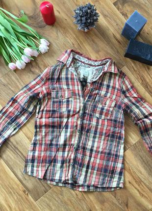 Красива рубашка, від крутої фірми одягу) розмір вказаний xs-s) підійде і на м)