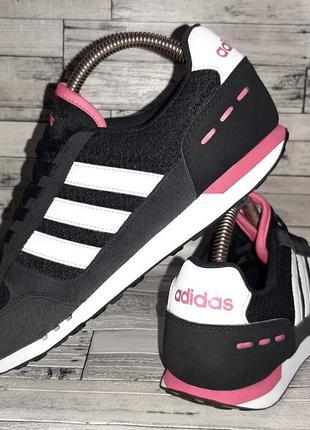 Женские кроссовки adidas1 фото