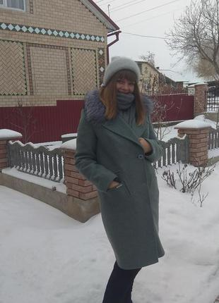 Зммове  кашемірове пальто з натуральним комірцем