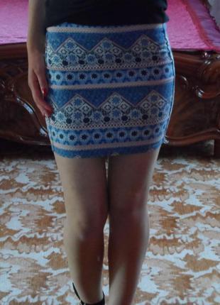 Мини юбка с красивым геометричным принтом