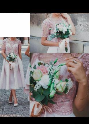 Шикарное , красивое платье  миди длинны