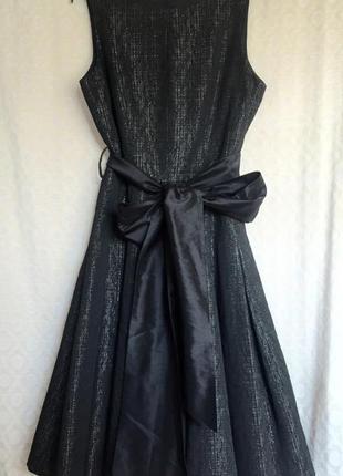 Нарядное роскошное платье миди