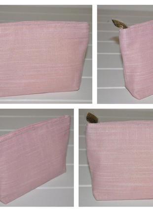 Милая косметичка от clarins нежно розовая размер 20х13х4см оригинал