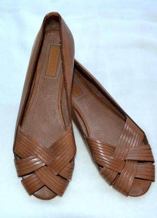 Новые, кожаные, летние балетки. бренд topshop