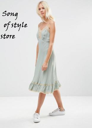 Asos premium платье с кружевными вставками