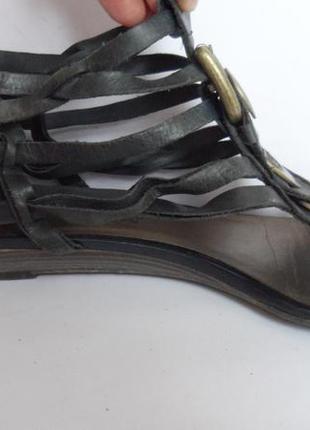 Удобные кожаные босоножки от tamaris.размер 38.5