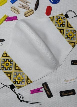 Маска защитная тканевая с вышивкой