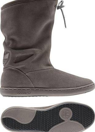 Супер стильные сапоги натуральный замш  орыгинал adidas