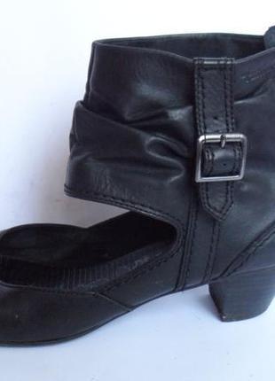 Кожаные туфли от tamaris.размер 39