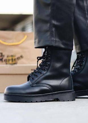 Шикарные женские зимние ботинки dr. martens 1460 total black fur7 фото