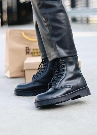 Шикарные женские зимние ботинки dr. martens 1460 total black fur2 фото