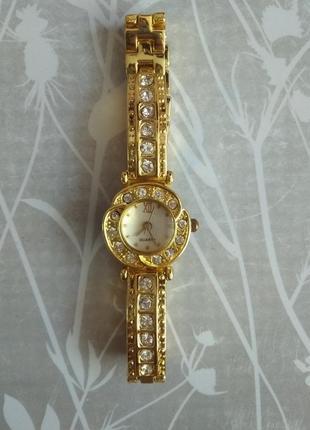 Годинник ручний жіночий
