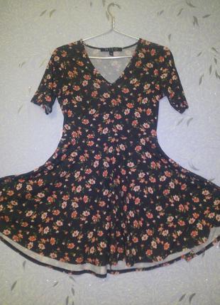 Легкое платье в цветочки