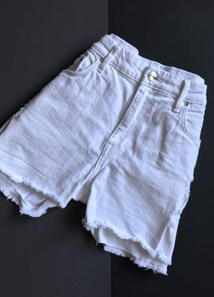 Белые джинсовые шорты h&m