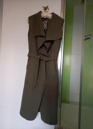 Новый стильный жилет-пальто