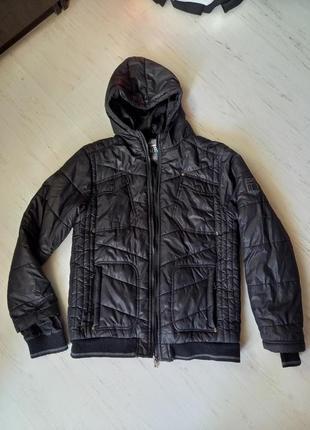 Демисезонная куртка на мальчика 12-13 лет