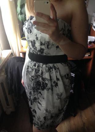 Платье коктейльное без бретелек цветочный принт весна выпускной