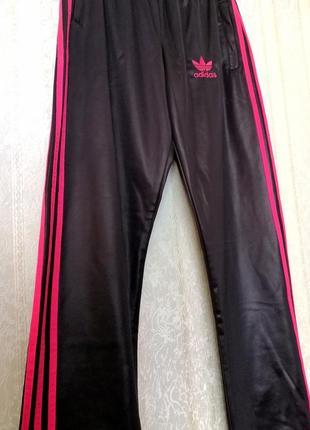 Фирменные спортивные штаны