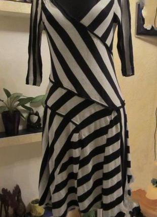 Платье клиньями с косую полоску! очень оригинально!