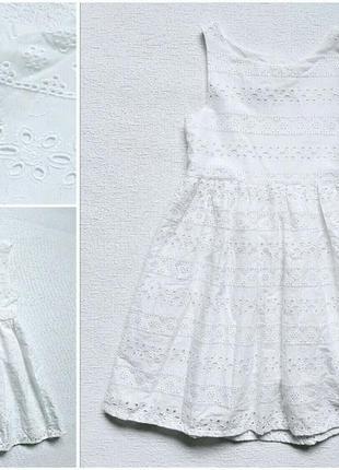 Красивое  платье из прошвы