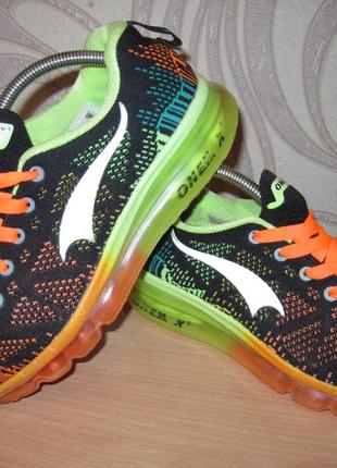 Продам кроссовки для занятия спортом,бегом,фитнесом фирмы onemix 37 размера