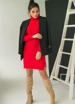 Вязаное платье-туника с узором косички и ромбы