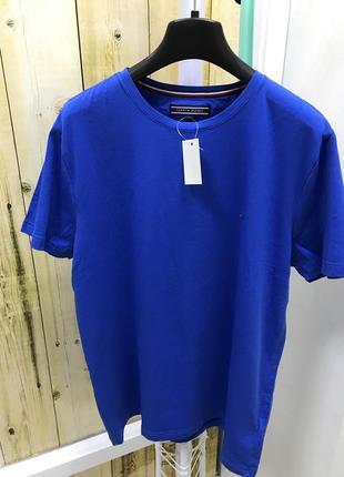 Супер новая футболка tommy hilfiger  унисекс