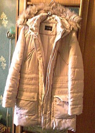 Пальто-куртка легкая теплая с капюшоном, длина 84см, на размер xl-xxl
