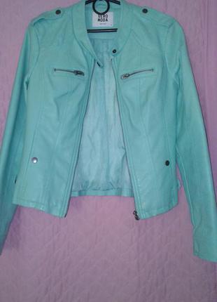 Куртка кожзам, размер ска-мка, цвет мятный.