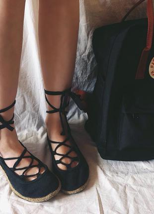 Тапочки босоножки туфли со шнуровкой