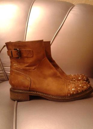 Кожаные ботинки размер 39 laura bellariva италия