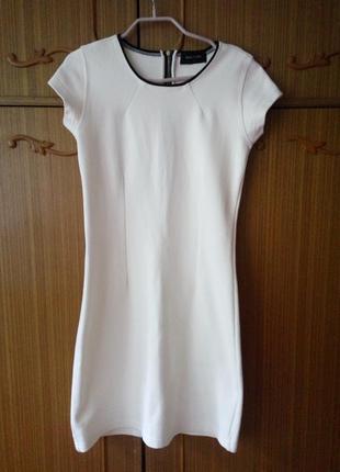 Отличное белое платье reserved