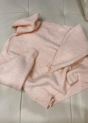 Мягкий пудровый объёмный свитер h&m, s-m