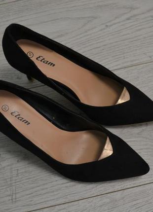 Стильные замшевые туфли лодочки
