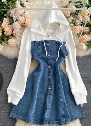 Джинсовое платье с капюшоном на пуговицах + белая кофта-толстовка/худи