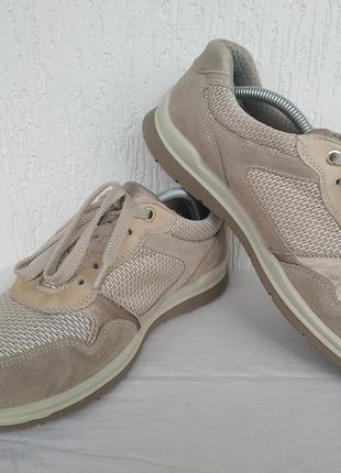 Спортивние туфли,кроссовки,мокасини кожанние go soft р.38.5