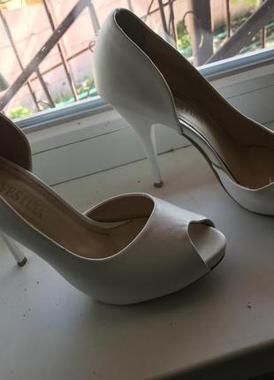 Нежные туфли