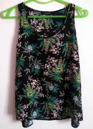 Элегантная и красивая блуза в цветочек
