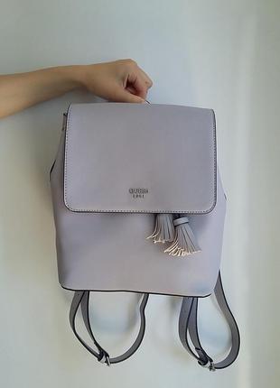 Трендовый рюкзачок guess в нежно-лиловом цвете. oригинал из сша!