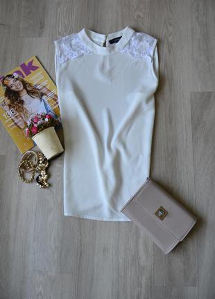 Блуза с кружевом на плечах atmosphere