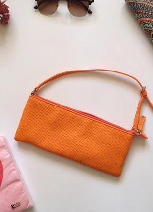 Крута сумочка вона може бути як кладч, косметичка, гаманець, сумочка для різних дрібниць