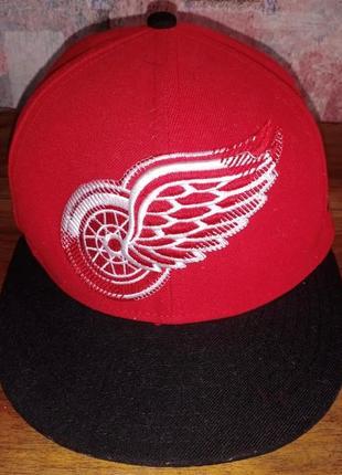 Бейсболка new era nhl detroit red wings