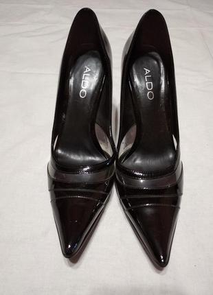 Туфли новые женские лаковые