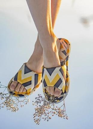 Тапочки slippi yellow touch відкриті