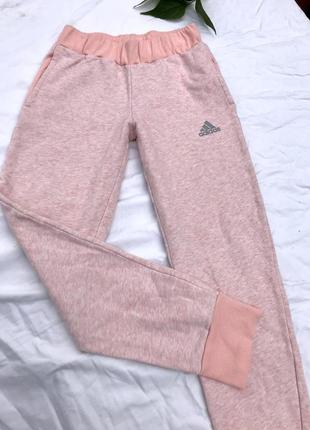 Спортивні штани від adidas