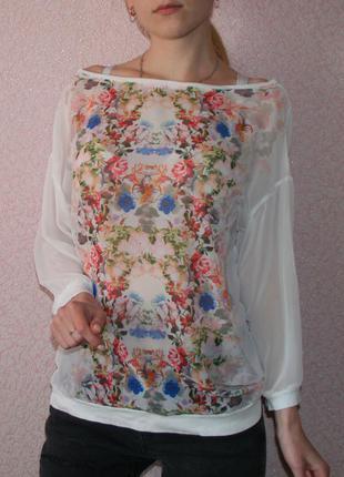 Легкая,летняя блуза с цветами л размера фирмы bershka