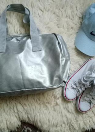 Спортивная сумка/цвет серебро/dkny