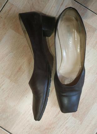 Кожаные итальянские туфли лодочки