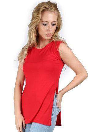Красный удлиненный топ, туника, блуза без рукавов с разрезами по бокам