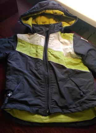Термокуртка осень- зима -весна  на 3 года